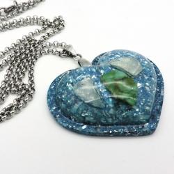 Orgonite Esmeralda e Berilo Azul Colar Coração