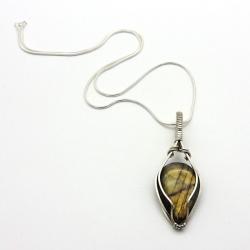 Amuleto Labradorite colar em Prata