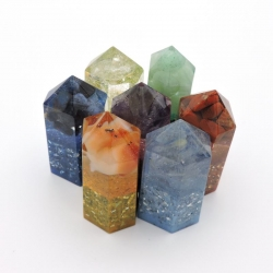 Kit 7 Chakras formato cristal com pedras Orgonite
