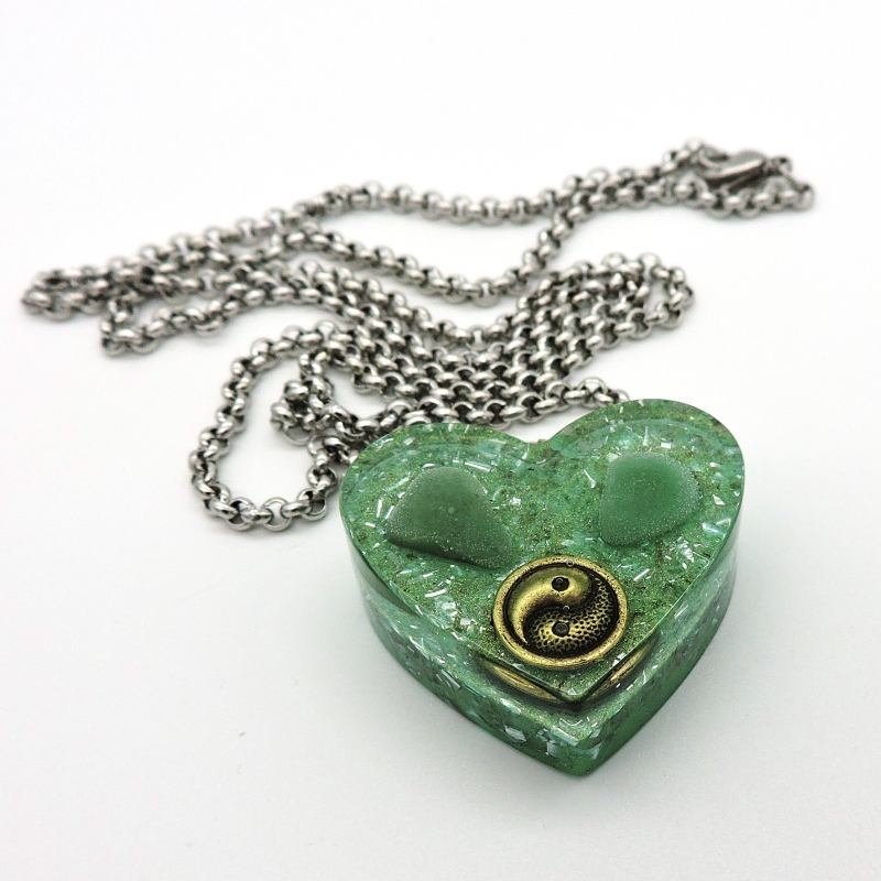 Orgonite Aventurina verde Colar Coração Pequeno Yin Yang