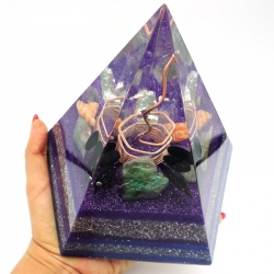 Orgonite Fluorite, amazonite, obsidiana negra, calcite laranja e verde, Ametista ,Pirâmide Pentagonal XL